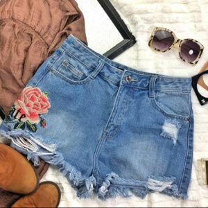 MISSGUIDED Sinner High Waisted Floral Jean Shorts